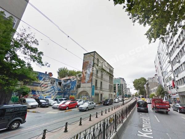 Karaköy, Kemeraltı Cad. Tramvay Yolu Üzerinde Kiralık Reklam cephesi